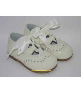 Zapato inglés charol beige