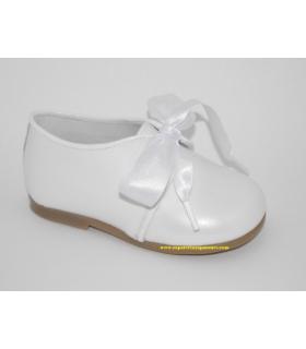 Zapato blucher charol blanco perla con lazo