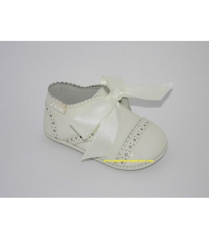 Zapato serraje-charol celeste sin suela