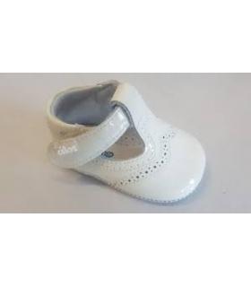 Zapato sin suela charol beig con picados